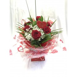 6 Red Roses With Gyp And Foliage In Aqua Pack